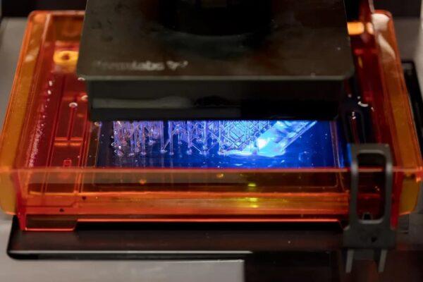 3d printer เทคโนโลยี SLA (StereoLithographic Apparatus)